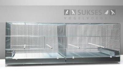Vluchtkooi 44x120x50 cm (hxbxd) met middenschuif ijzeren laden en bodemroosters