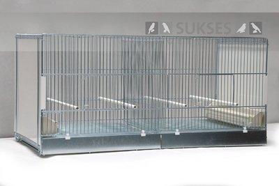 Vluchtkooi 44x90x40 cm (hxbxd) koppelbaar met middenschuif plastic laden en bodemroosters