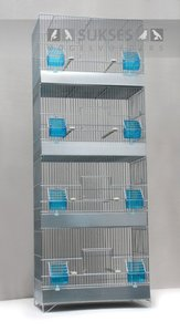 Stapelkooi 4-delig 120x45x25 cm (hxbxd) met ijzeren voorklep plastic laden en bodemroosters