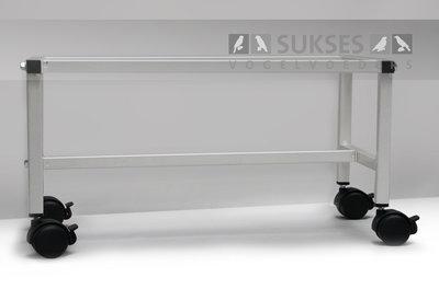Ijzeren onderstel op wielen met rem voor 55/1 en 55/2 kooiserie 30x55x30 cm (hxbxd)